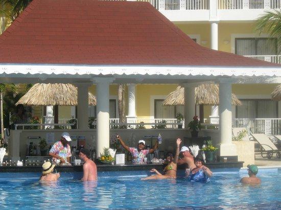 Luxury Bahia Principe Esmeralda Don Pablo Collection: Bar at the Pool with Leondra