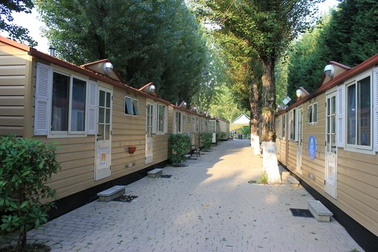 Camping Village Jolly: Row of Bungalows