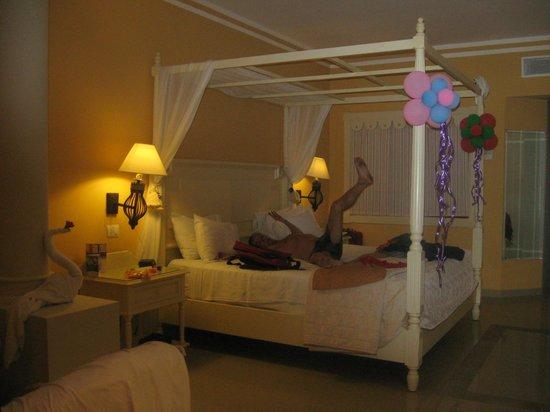 Luxury Bahia Principe Esmeralda Don Pablo Collection : Our room
