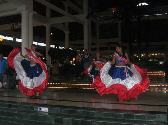 Luxury Bahia Principe Esmeralda Don Pablo Collection: Dancers on our departure