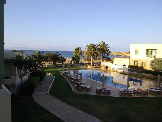 Finikas Hotel: Hotel Veranda with pool looking out to sea