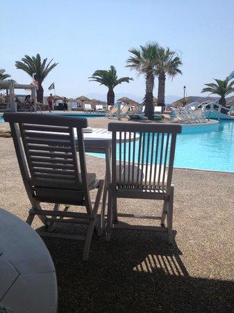 Villa Manos: Poolside