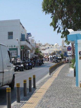 Villa Manos: Town of Fira