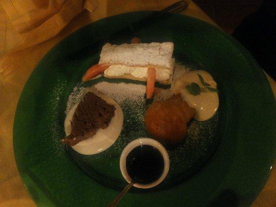 Osteria Ferro e Fuoco : Il dessert di babbà e mousse