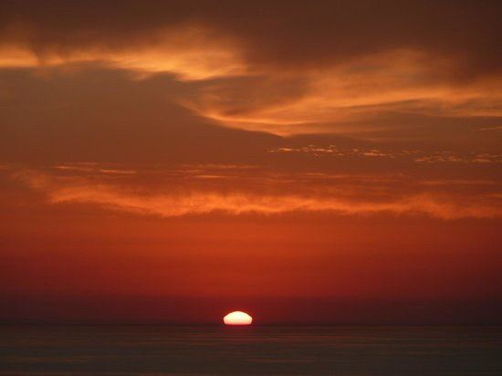 Silver Coast Vacation Inn: Don't miss the sunset