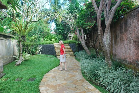 Samhita Garden: Giardino