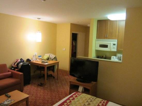 TownePlace Suites Ontario Airport: Room view