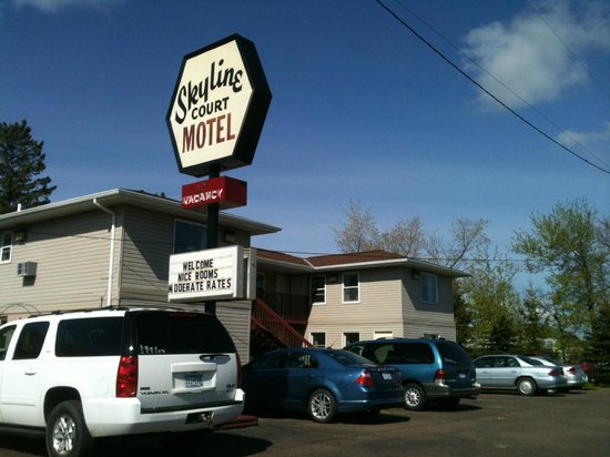 Skyline Court Motel