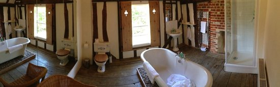 Channels Lodge: Our bathroom