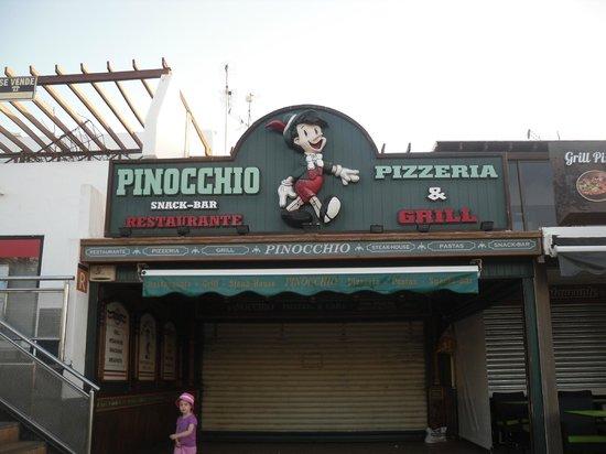 Pinocchio Restaurante Pizzeria: Outside