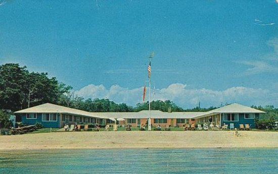 Silver Sands Motel & Beach Cottages: Famous 1961 Postcard