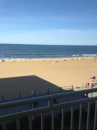 Holiday Inn Express Hotel & Suites Virginia Beach Oceanfront: Great view
