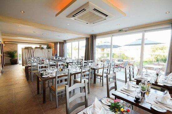 Restaurante A Floresta : Inside Area
