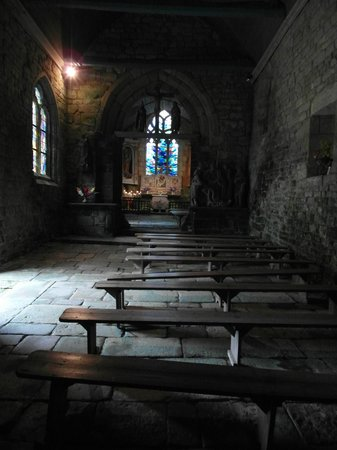 Chapelle Notre-Dame-de-Bonne-Nouvelle : Vista interna con la separazione del coro