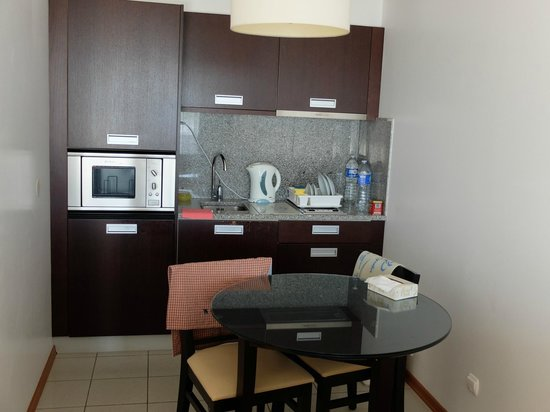 Antillia Aparthotel: Кухня