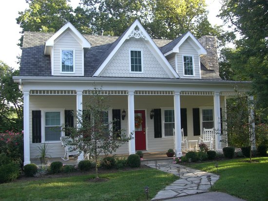 A Storybook Inn : Huntsman Chase Guesthouse