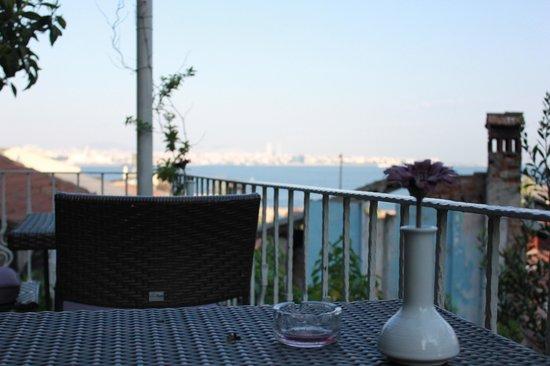 Poem Hotel Istanbul: Porch