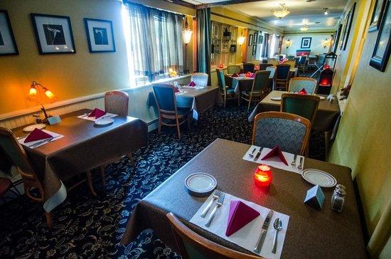 Bridge Inn Pleasantville: Upstairs Dining Room
