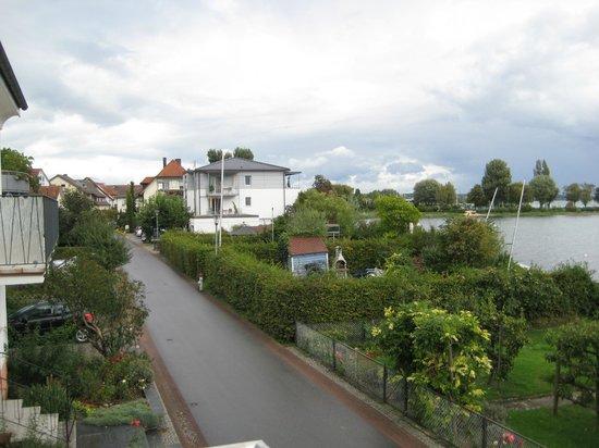Gäestehaus Seeblick: Blick vom Balkon nach links...