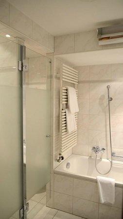 Morosani Posthotel Davos: Ein Bad zum Verweilen