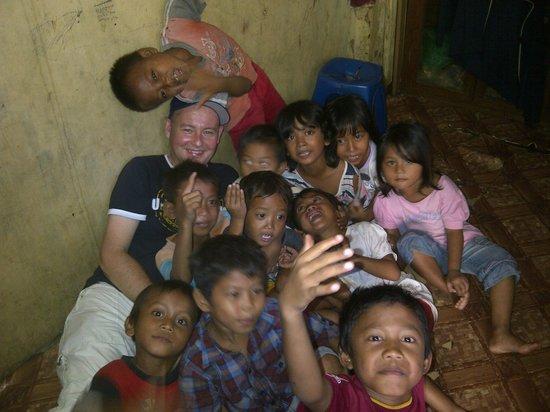 Jakarta Hidden Tours: kids . .