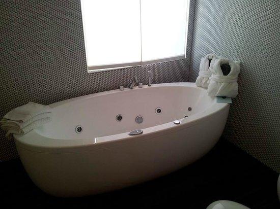 DuoMo Hotel: vasca super rilassante!