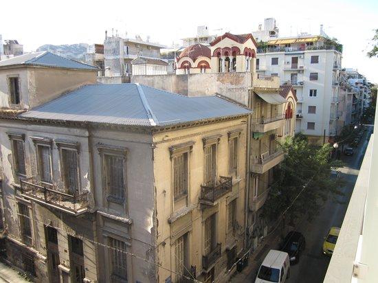 Areos Hotel: Vistas desde la habitación 404, con la iglesia al fondo