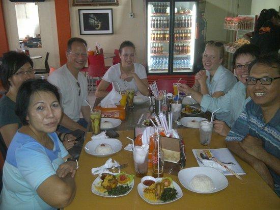 Jakarta Hidden Tours: lunch