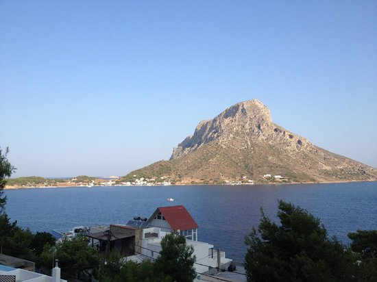 Apollonia Hotel: View over Telendos island from the balcony