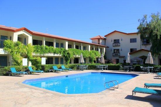 Quinta Dorada Hotel And Suites: Alberca hotel