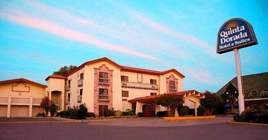 Quinta Dorada Hotel & Suites