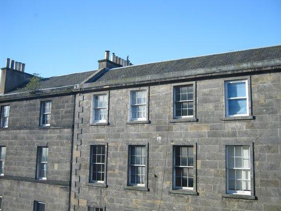 Premier Inn Edinburgh Central (Lauriston Place) Hotel: vista dalla nostra camera