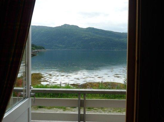 Yttervik Camping: utsikt från annan hytte