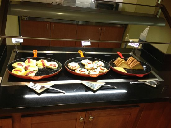 Hyatt Place Baltimore/BWI Airport: Breakfast