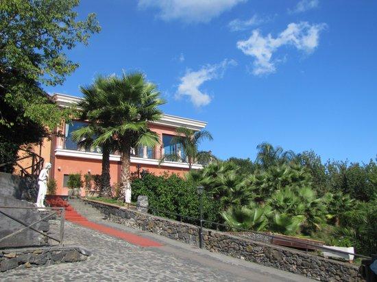 Agriturismo Il Ciliegio dell'Etna: vu depuis le parking