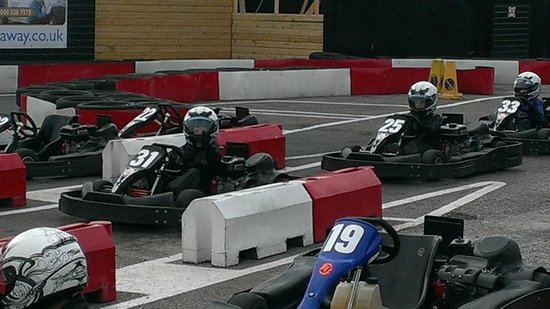 Brentwood Karting: GO  KARTING AT  BERNTWOOD