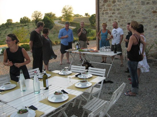 Podere le Olle: Drinks outside