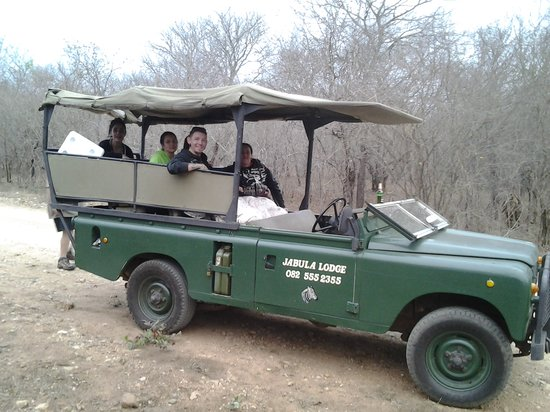 Jabula Lodge: open vehicle