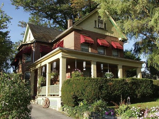 A New Beginning Bed and Breakfast: Front of the B&B