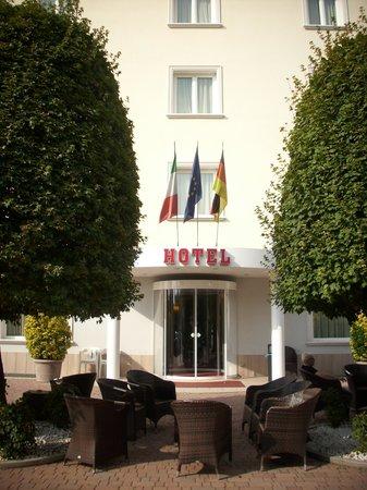Hotel Arthur: vista frontale parziale
