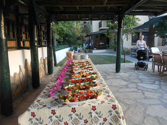 Beyaz Villas: BBQ night
