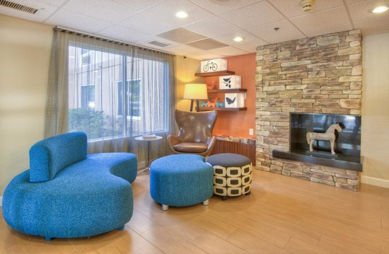Fairfield Inn & Suites Raleigh Crabtree Valley : Entrance