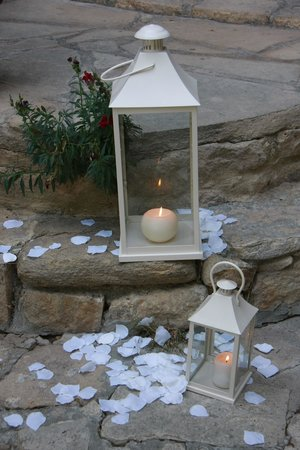 Vasilias Nikoklis Inn: Wedding decor