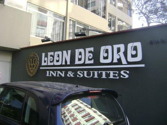 Leon de Oro Inn & Suites: 2