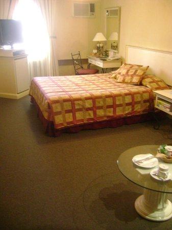Leon de Oro Inn & Suites : 5