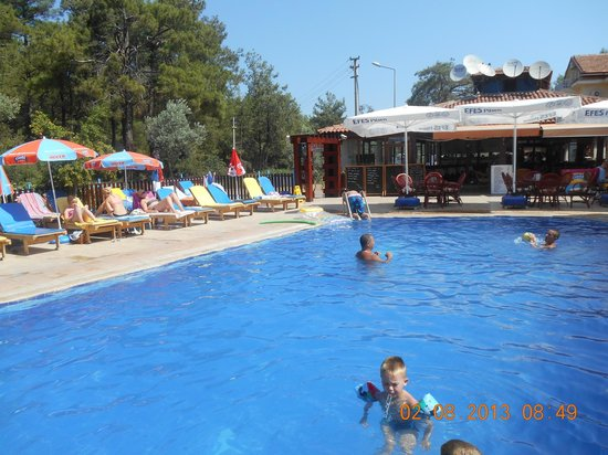 Tolay Hotel: poolside