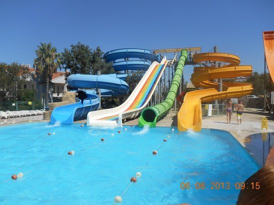 Tolay Hotel: local waterpark