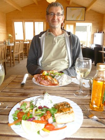 Waypoint Grill: delicious salmon