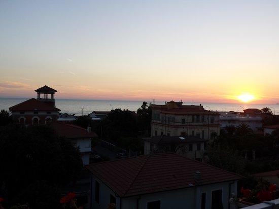 Hotel Scandinavia: tramonto dalla mia camera