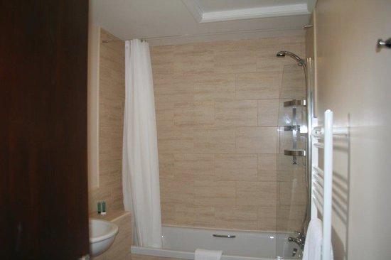 Yorkway Motel: Bathroom at Yorkway
